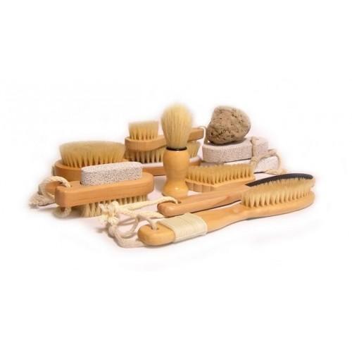 Brochas, cepillos exfoliantes, limas y piedras pómez